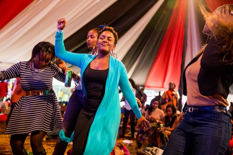 People dancing to manu's songs