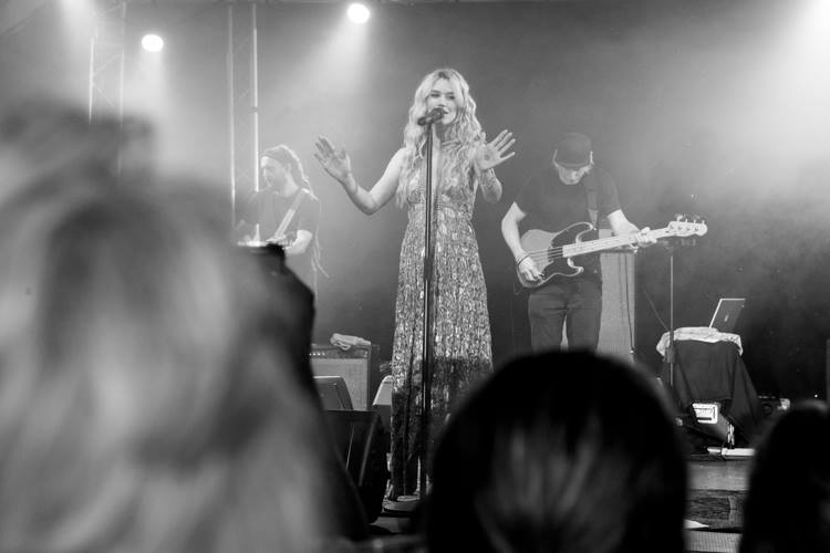Joss Stone on stage at the Purdy Arms
