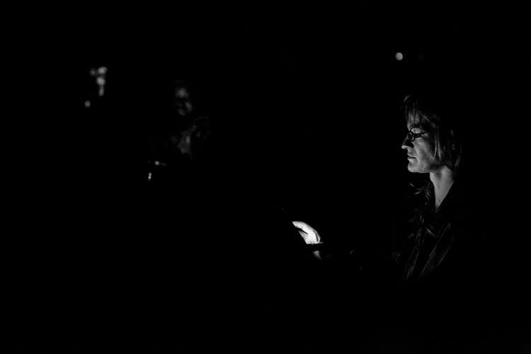 No Lights bu the phones shone bright in the darkness