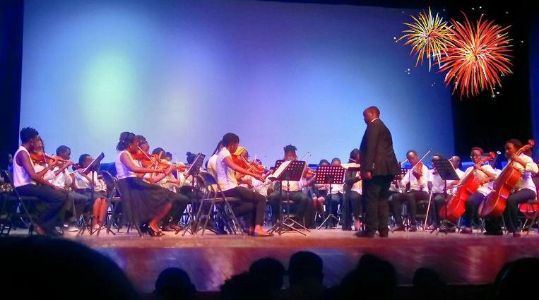 Philip Maina  conducting