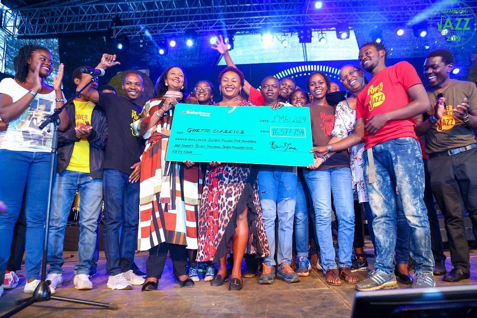 Ghetto Classics receives their cheque at Safaricom Jazz Festival